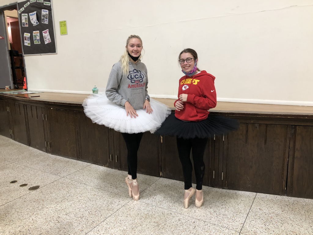 HS Students Maddie P and Alyssa H demonstrating Ballet